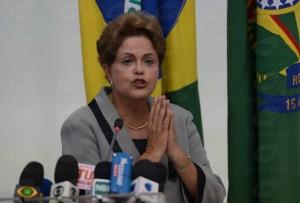 Dilma_Rousseff_comenta_os_protestos_de_15_de_março_de_2015